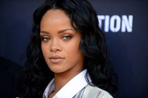Rihanna and Chris Brown iPhone Video 'Tape Leaked Today' Just a Facebook Survey Scam